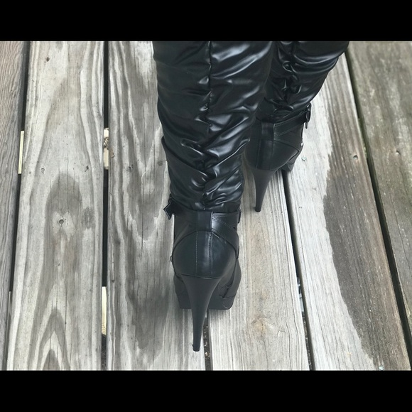 11648f95ebc1 G by Guess wide calf knee boots. Sz 9.5 NWT
